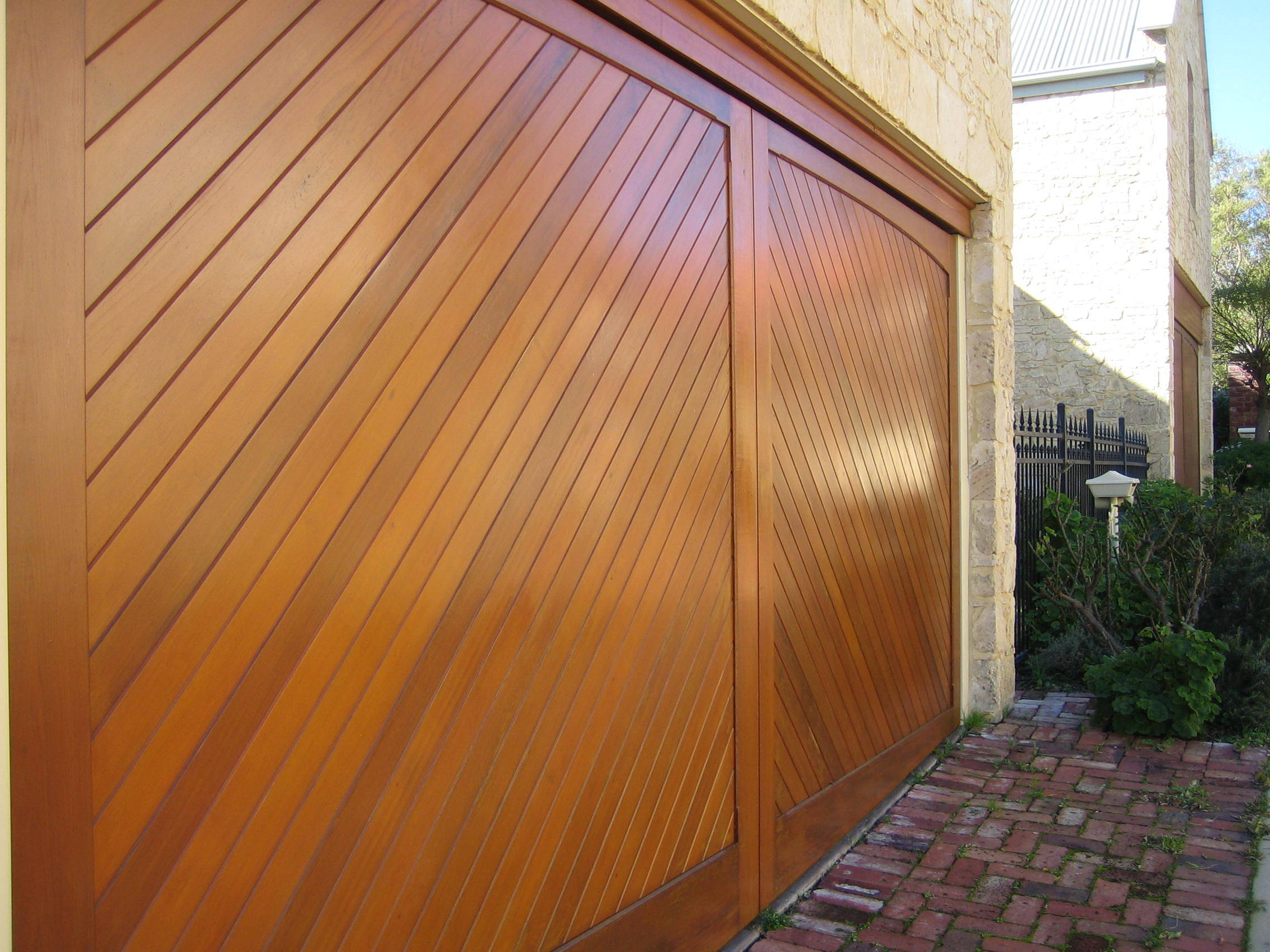 Residential Garage Doors To Suit Any Style Amp Budget Best