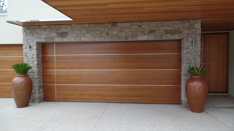The Danmar Cedar Panel 86 is a natural timber garage door constructed of 86mm horizontal Western Red Cedar lining boards with a choice of Vee-Joint or ... & The Danmar Cedar Panel 86 Quality Timber Garage Door | Best Doors